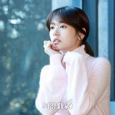 Young Actresses, Korean Actresses, Baek Seung Jo, Korean Drama Series, Playful Kiss, Jung So Min, Dramas, Angora Sweater, Korean Celebrities