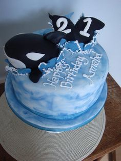 killer whale cake by The Little Village Cake Company, via Flickr