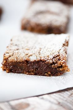 Gingerbread bars with some dark chocolate chips snuck in for good measure. Skip the hours of cookie cutting and get straight to the good stuff. Can we talk about gingerbread for a minute? Great Desserts, Fall Desserts, Christmas Desserts, Delicious Desserts, Dessert Recipes, Bar Recipes, Christmas Recipes, Christmas Crafts, Sweets