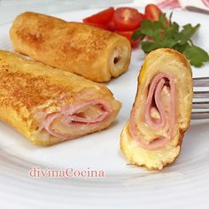 Recipe of ham and cheese pockets - Divina Cocina- These ham and cheese with bread rolls are prepared in a moment with simple ingredients and are delicious, very creamy inside. Tapas, Kids Meals, Easy Meals, Food Porn, Good Food, Yummy Food, Cooking Recipes, Healthy Recipes, Empanadas