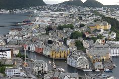 Ålesund, Norway 🇳🇴. Blogpost with pictures and blog is up on my blog! Alesund, Norway, Paris Skyline, About Me Blog, Youtube, Pictures, Travel, Blogging, Photos