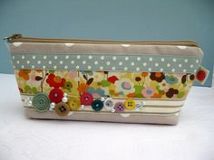 Vintage style cases with buttons