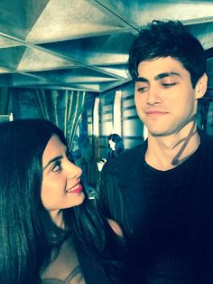 I love you sis. Love you too. Isabelle (Eumerade Toubia) and Alec Lightwood (MatthewDaddario) - awn siblinglove