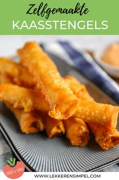 Cheese sticks of phyllo dough, tasty and easy! - Tasty and Simple Appetizer Recipes, Snack Recipes, Cooking Recipes, Beef Stew Crockpot Easy, Side Dishes For Bbq, Kebab, Good Food, Yummy Food, Dutch Recipes