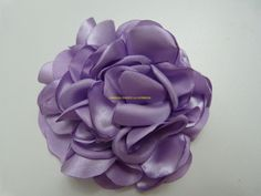 moño de rosas para el cabello en tela satin paso a paso
