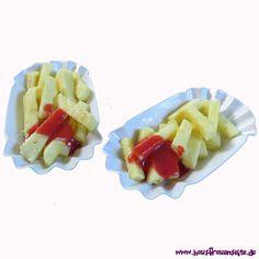 Ananas-Fritten mit Erdbeer-Ketchup Ketchup, Fruit Salad, Kids Meals, Vegan Recipes, Food, Pineapple Recipes, Low Calorie Desserts, Delicious Vegan Recipes, Fries