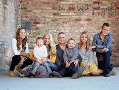 family photography, large family pose, urban family photos, photo styling, Utah photography, lou la belle photography