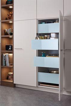Modern Luxury Kitchens For A Grand Kitchen Luxury Kitchen Design, Design Your Kitchen, Kitchen Cabinet Design, Luxury Kitchens, Cool Kitchens, Modern Kitchens, Modern Kitchen Cabinets, Kitchen Tops, Kitchen Interior