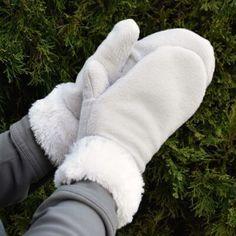 29 Best ideas for crochet bag fashion christmas gifts Sweater Mittens, Crochet Mittens, Mittens Pattern, Fleece Hat Pattern, Crochet Gifts, Fleece Crafts, Fleece Projects, Sewing Crafts, Sewing Projects