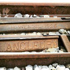 @Regrann from @sejarahbandung -  Jalur di petak Cipeuyeum Rajamandala adalah tentang parade besi-besi tua dari masa lalu.  Bahkan jika beruntung kita akan menemukan tiang dari rel bertuliskan tahun 1890 dan 1895.  Jalur Cianjur Bandung adalah jalur kereta api yang paling tabah di Indonesia. Mereka dilupakan bahkan untuk kedua kalinya dalam sejarah tapi mereka tetap berdiri menunggu harapan.  #kereta #keretaapi #ptkai #SejarahBandung - #regrann  #bandungnostalgia