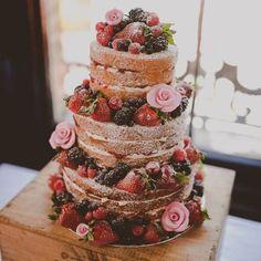 Ultime tendenze in tema di matrimoni: lo #streetwedding <3 #candy #cakes #dolci #italia #wedding #weddingday #weddingideas #favours #ideenozze #pinterest #rustic #rusticchic #campania #capri #sorrento #amalfi #positano #matrimonio #nozze #weddingdesign #voilà #picoftheday #firstpost #weddingbag #food #giardino #garden ---- > TUTTO L'ARTICOLO SU ---> http://ideeperlenozze.blogspot.it/2016/05/ultime-tendenze-in-tema-di-matrimoni-lo.htm