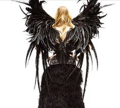 Victoria's Secret Fashion unveils exclusive photos outfits the next Victoria's Fashion Show 2015. The next parade outfits huge golden wings, black, blue long, bare, all the extravagant outfits as each other!