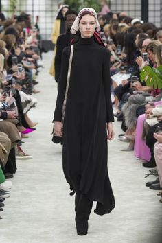 Valentino, Ready-To-Wear, Париж ОСЕНЬ-ЗИМА 2018/2019