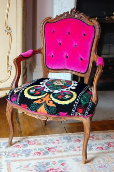 Vintage and Modern...that's my kind of chair.
