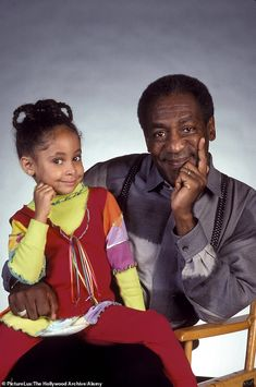 Bill Cosby as Cliff Huxtable and Raven-Symoné as Olivia Kendall 80 Tv Shows, Old Shows, Movies And Tv Shows, Bill Cosby, Afro, Raven Symone, The Cosby Show, The Lone Ranger, I Love Lucy