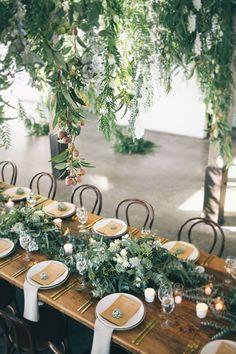 18 Greenery Wedding Decor Ideas You Will Fall in Love With! Wedding Table Decorations, Wedding Table Settings, Wedding Centerpieces, Decor Wedding, Place Settings, Rustic Centerpieces, Diy Wedding, Wedding Table Arrangements, Wedding Receptions