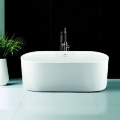 The Kingston Freestanding Bath is magnificent in design and embodies modern style and fashions. Stunning rounded ends provide style and comfort.