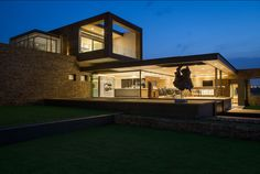 Mirroring Nature's Everlasting Attractiveness: Home Boz in South Africa