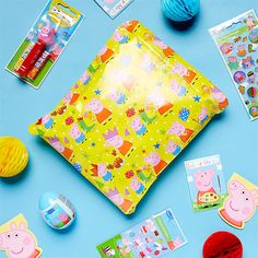 How to Throw the Ultimate Peppa Pig Party Chinese Birthday, Pig Birthday, Little Girl Birthday, Third Birthday, 2nd Birthday Parties, Birthday Celebrations, Birthday Cards, Peppa Pig Wrapping Paper, Peppa Halloween
