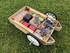 Arduino Controlled Robot Lawnmower - Ultrasonic And Rgb Sensors Automatic Lawn Mower, Arduino Beginner, Technical Video, Alcohol Dispenser, Hardware Components, Electrical Projects, Arduino Projects, Cool Technology, Robots
