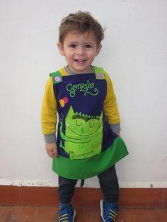 NOVEDAD BABIS TIRANTES NIÑOS Sewing Patterns For Kids, Sewing For Kids, Baby Sewing, Baby Patterns, Sewing Tutorials, Sewing Projects, Sewing Aprons, Kids Apron, Poncho
