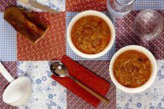 Cómo hacer sopa castellana en Crock Pot. Receta paso a paso con recomendaciones de elaboración. Recetas de sopas en slow cooker. Recetas Crock Pot, Festina Lente, Pulled Pork, Slow Cooker, Crockpotting, Eat, Ethnic Recipes, Food, Crockpot Recipes