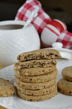 Biscuiti digestivi cu seminte - CAIETUL CU RETETE Sweets Recipes, Cake Recipes, Cooking Recipes, Healthy Biscuits, Healthy Sweets, Food Design, Vegan Desserts, Deserts, Food And Drink