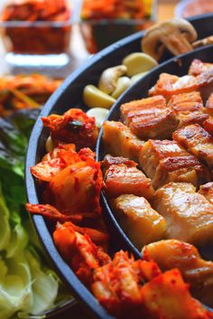 How to cook and eat Korean Samgyeopsal at home. Upgrade your BBQ parties. Perfect for a family dinner. Visit for authentic very easy recipe, quick video and more...