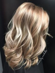 Hair/Beauty Blonde Highlights / Blonde Dimensional Color - Best Hairstyles & Haircuts for Men and Women in 2019 Hair Color 2018, Latest Hair Color, Hair 2018, 2018 Color, Blonde Color, Ombre Colour, Brunette Color, Hair Highlights, Color Highlights