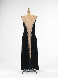 Dress 1923, American, Made of silk