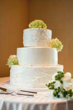 John and Angela's Wedding at Aliso Viejo Country Club.  #alisoviejowedding #california #alisoviejo #orangecounty #weddingcake  #reception #whiteandgreen