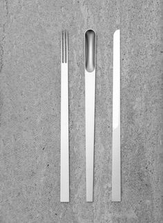 Elise Rijnberg's Piattona sees a seamless curated culinary assemblage brought to life. Originally designed as a prototype, this beautifully minimalist set is a response to the hurried thoughtless consumption of our frazzled times and seeks to get people to relax and take time to enjoy their food. The streamlined silverware set has a series of strong lines that simplify and force the user to engage in another way, to the act of using the items; and consequently to the act of eating itself.