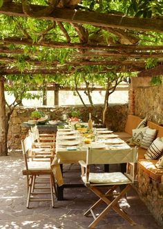 Garten Sichtschutz Landhausstil Pergola Holz Weintraube Terrasse There are various points that could as a Outdoor Rooms, Outdoor Dining, Outdoor Gardens, Outdoor Decor, Dining Area, Outdoor Seating, Dining Room, Outdoor Patios, Dining Tables