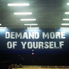 Pretty cool idea to have inspirational quotes on the walls. Wish they had this at my gym :) Female Fitness   DoYouEven?
