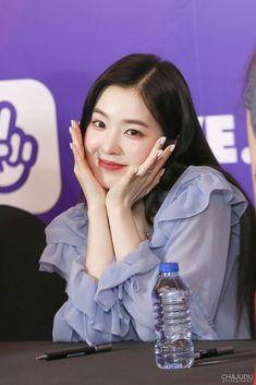 Red Velvet Irene, Soyeon, Sooyoung, Seulgi, K Idols, In A Heartbeat, Korean Girl Groups, Hair Trends, Entertaining