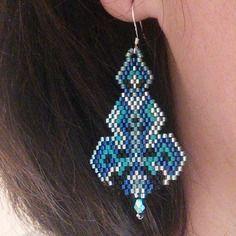 Boucles d'oreille « brindilles » dans les tons bleus en argent 925 e