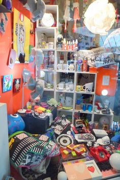 Curso de decoracion y dise o de vidrieras escaparates - Objetos decoracion diseno ...