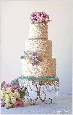 Bolo de casamento feito pela Pastry Studio .