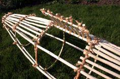 Crafting a fish trap- jonsbushcraft.com