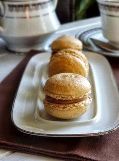 Rice and Coconut: Tiramisu macarons