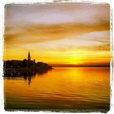 Poreč in Istarska Županija Road Trippin, Montenegro, Four Square, Croatia, Travelling, Tourism, Places To Visit, Restaurant, Sunset