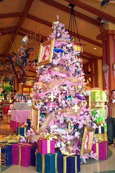 decorate christmas tree essay