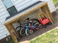 DIY Shed Cheap - Simple Instructions on How to Construct a Backyard Storage Shed! Garden Bike Storage, Outdoor Bike Storage, Backyard Storage Sheds, Backyard Toys, Backyard Ideas, Small Shed Plans, Wood Shed Plans, Small Sheds, Diy Shed Plans