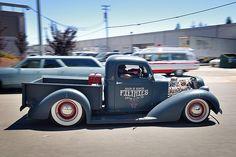 Matte finish hot rod pick up Hot Rod Trucks, Cool Trucks, Chevy Trucks, Pickup Trucks, Cool Cars, Big Trucks, Dually Trucks, Chevy Pickups, Chevy 3100