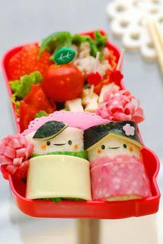 ロールサンドでおひなさまのお弁当 - てしぱんさんの簡単かわいいおべんとさん レシピブログ - 料理ブログのレシピ満載!
