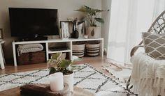#kwantuminhuis Vloerkleed MAZA > https://www.kwantum.nl/vloer/vloerkleden en mand NERO > https://www.kwantum.nl/wonen/decoratieve-opbergers/manden @bar_van_vreeswijk
