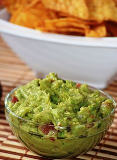 Mexican food recipes 241013017531410665 - guacamole maison Source by AlicePegie Raw Food Recipes, Vegetable Recipes, Mexican Food Recipes, Healthy Recipes, Tapas, Mexican Guacamole Recipe, Bon Appetit, Fingers Food, Food Porn