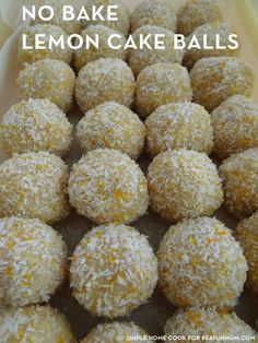 Lemon Cake Balls (no bake) is part of Lemon cake Condensed milk, crushed biscuits, coconut and lemon a match made in heaven These balls are easy to make whether you have a Thermomix, food process - Cake Pops, Receita Mini Pizza, No Bake Slices, No Bake Lemon Slice, Baking Recipes, Dessert Recipes, Cake Recipes, Albondigas, Christmas Cooking