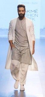 Antar-Agni-lakme-fashion-week-2016-1