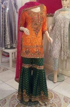 Indian fashion has changed with each passing era. The Indian fashion industry is rising by leaps and bounds, and every month one witnesses some new trend o Pakistani Mehndi Dress, Pakistani Wedding Outfits, Pakistani Bridal Dresses, Pakistani Dress Design, Pakistani Gharara, Punjabi Wedding, Shadi Dresses, Indian Dresses, Indian Outfits